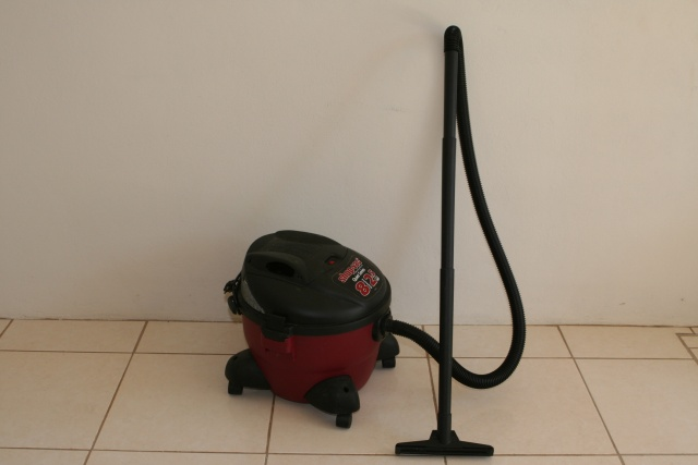 Wet/Dry Shop Vac: $25 [SOLD]